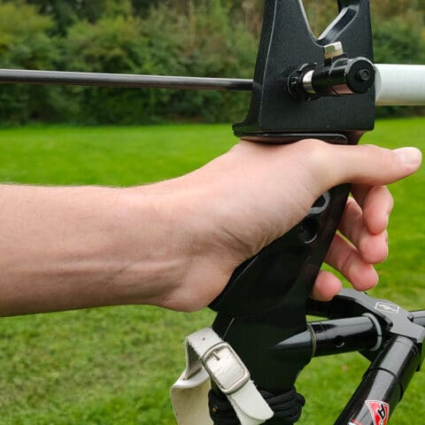 How you should grip your bow